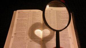 co z Biblią?