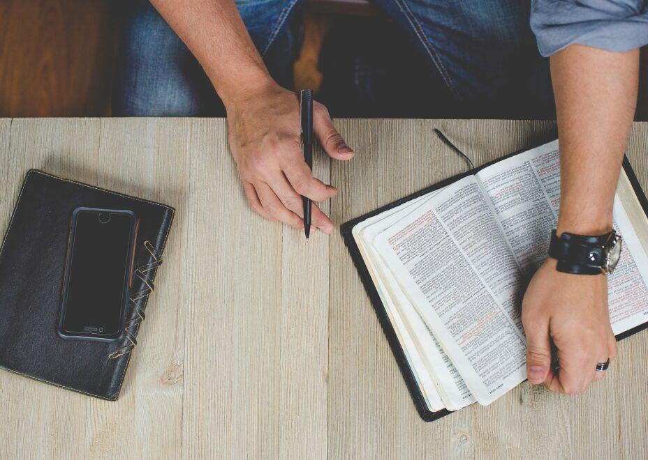 przyswoić Pismo Święte